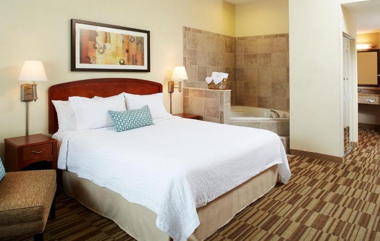 jacuzzi suites in boston ma