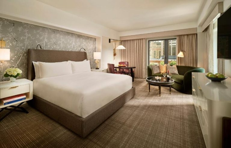 hotels with jacuzzi in room in boston ma