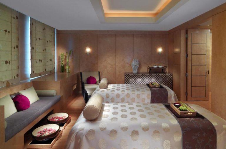 hotels with spa in boston - mandarin