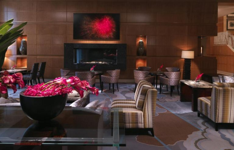 mandarin boston jacuzzi suites